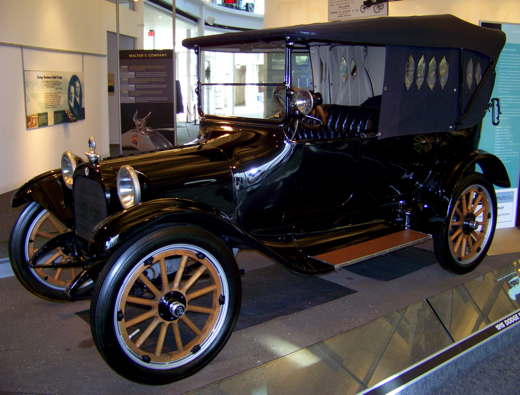 1915-dodge-touring-car