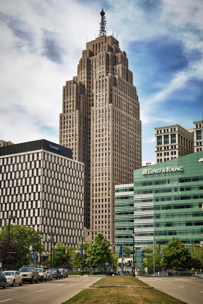 30-01-greater-penobscot-building-detroit-1928-mgs