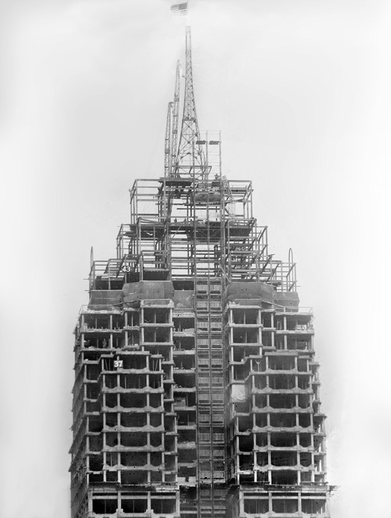 30-10-penobscot-building-under-construction-1928-wsu-vmc
