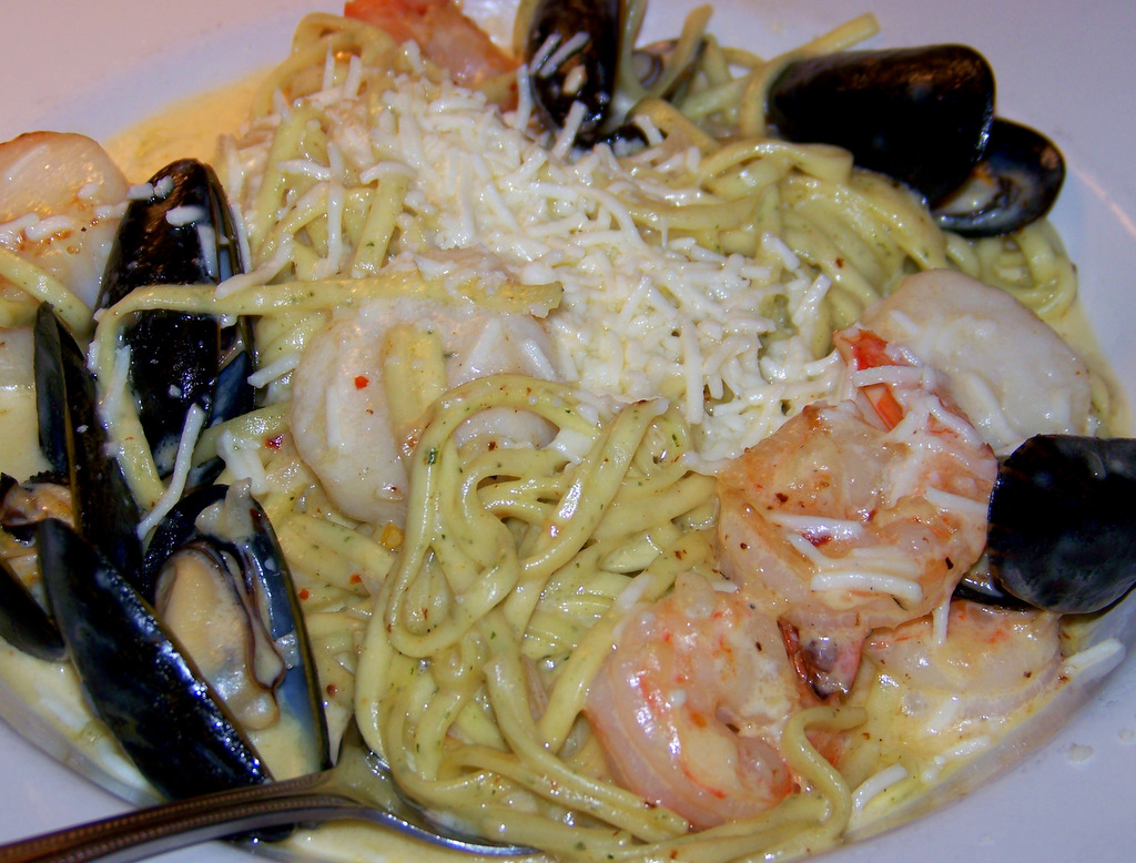 Lilys Seafood 410 S Washington Royal Oak Michigan 9 North Shore Seafood Pasta