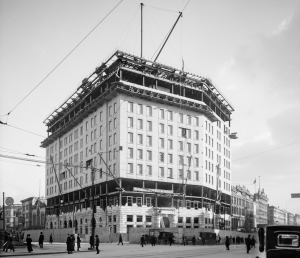 Hotel Pontchartrain under construction in 1907 LOC photo