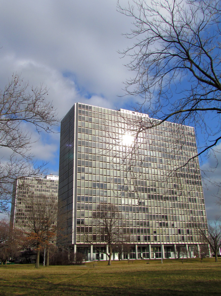 Ludwig Mies van der Rohe - Lafayette Towers