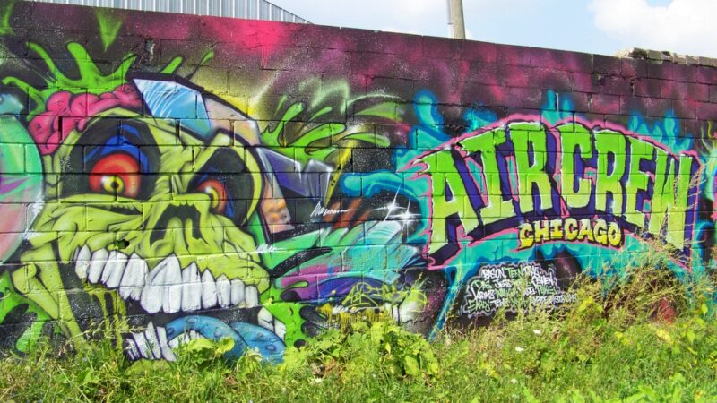 """Chicago's """"Air Crew"""" Paint in the Grand River Creative Corridor – Fall 2015"""