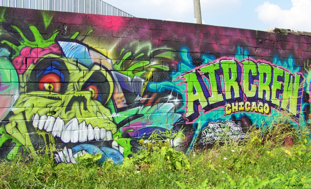 "Chicago's ""Air Crew"" Paint in the Grand River Creative Corridor – Fall 2015"